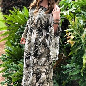 Palm Print Midi dress with flared sleeves